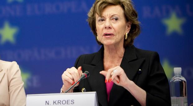 Parlamenti Europian voton pro ruajtjes së neutralitetit të internetit dhe eleminimit të tarifave roaming në BE