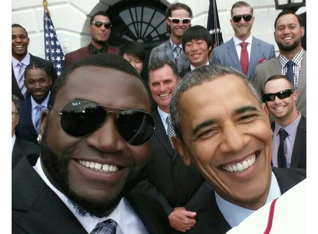 """""""Selfie-ja"""" e bërë me presidentin Obama i nxjerr probleme ligjore kompanisë Samsung"""