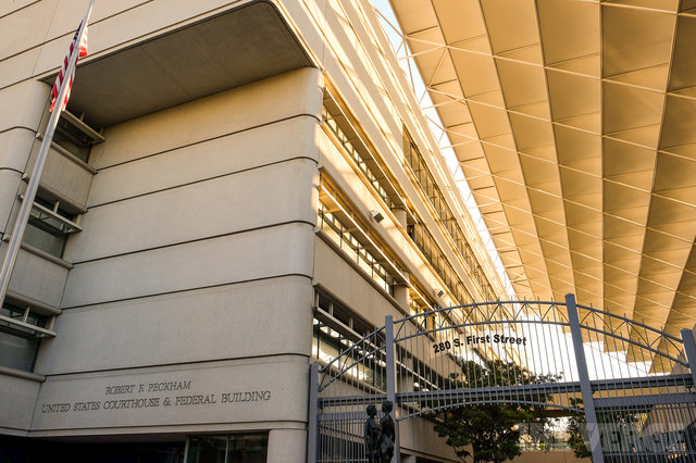 Samsung detyrohet të paguajë 119.6 milionë $ për shkelje të patentave të Apple