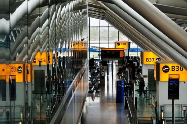 """Aeroporti më i populluar në Evropë do të këtë një terminal të quajtur """"Samsung Galaxy S5"""" për dy javë"""