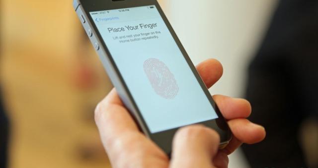 Raportim: Sensori i gjurmëve të gishtave do të vijë në iPad Air dhe iPad Minin e ardhshëm