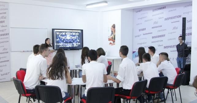 """""""Smart Classroom"""", projekt për shkollën dixhitale"""