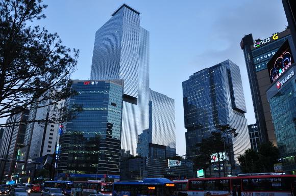 Pësojnë rënie të ardhurat e Samsung për tre mujorin e dytë të këtij viti
