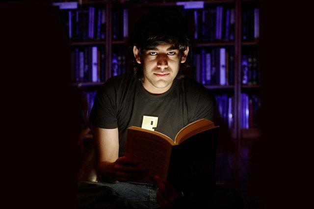 """Dokumentari për Aaron Swartz """"The Internet's Own Boy"""" tani mund të para-porositet"""