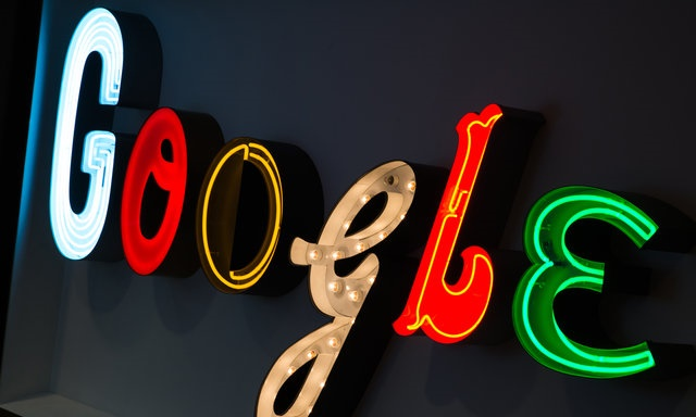 Google tashmë ka larguar 100 mijë rezultate të kërkimit në Evropë