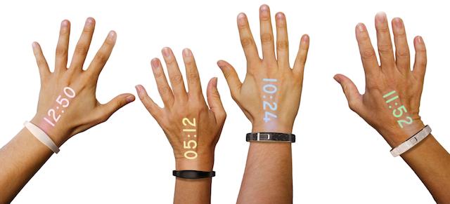 Ora inteligjente Ritot projekton pamjen në kyçin e dorës së përdoruesit