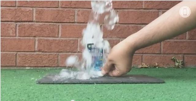 """Dhe iPhone """"provon"""" sfidën #ALS Ice Bucket Challenge"""