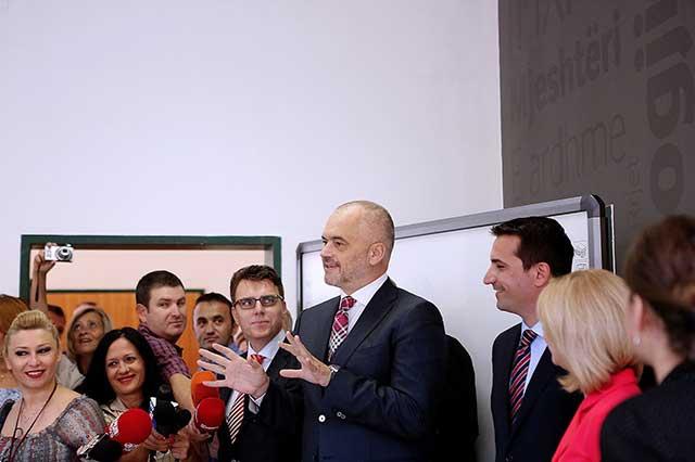 """Inaugurohet shkolla e mesme profesionale """"Hermann Gmeiner"""" e profilizuar në TIK"""