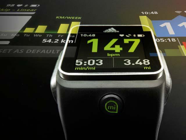 "Adidas lançon orën inteligjente ""miCoach Smart Run"""