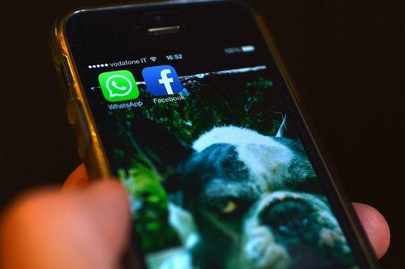 Facebook mer aprovimin e fundit për blerjen e WhatsApp