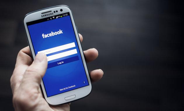 Facebook po punon në një aplikacion celular për anonimatin