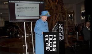 """Mbretëresha Elizabeth II e Britanisë poston """"tweet-in"""" e saj të parë"""