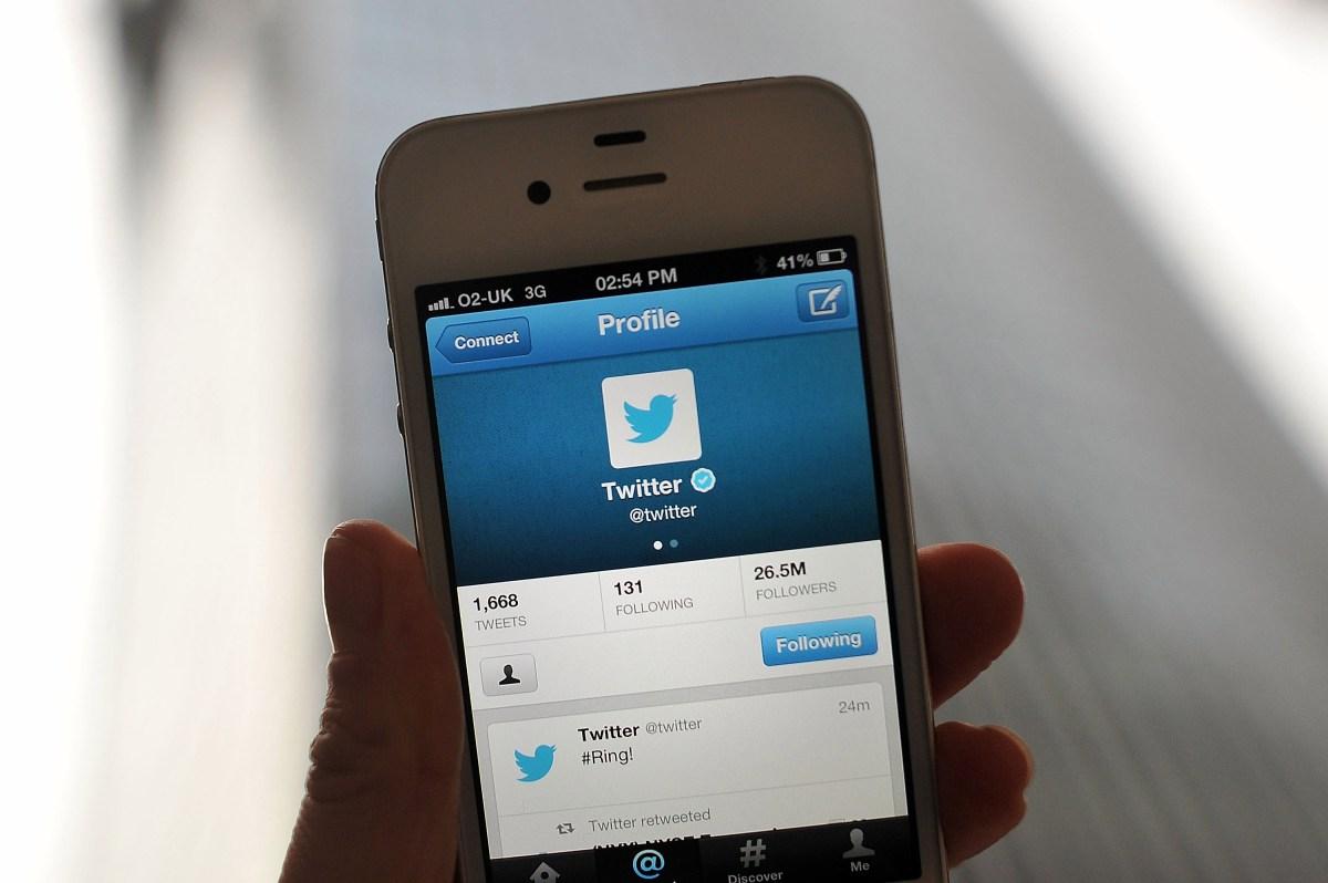 Tani mund të kërkoni çdo cicërimë që është bërë ndonjëherë në Twitter