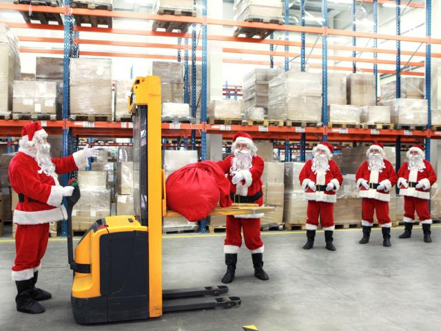 Tregtarët online përmirësojnë performancën e dërgesave gjatë Krishtlindjeve