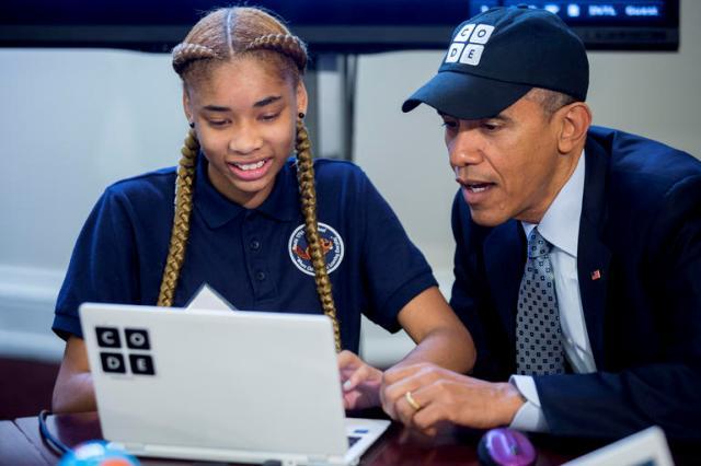 """Edhe presidenti i SHBA-së Barak Obama """"bëhet pjesë"""" e Hour of Code"""