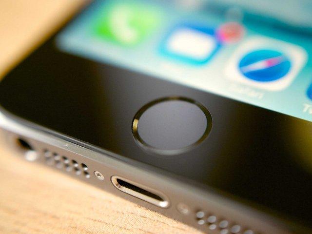Raport: Apple mund të prezantojë një iPhone të tretë vitin e ardhshëm