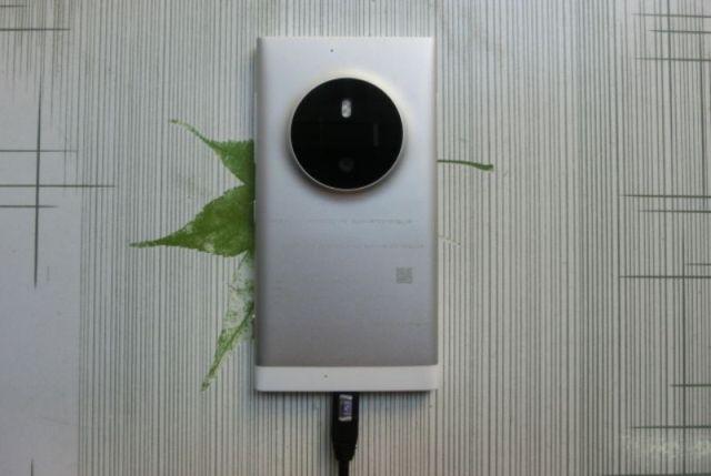 Shfaqen online imazhe të Microsoft Lumia Phone me kamera 41 megapixel