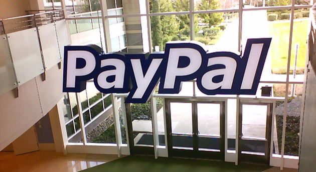 Apple shton pagesat me PayPal në dyqanet online