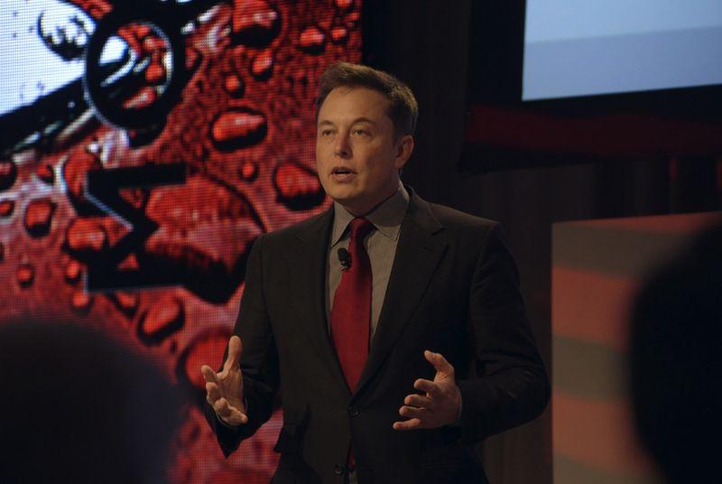 Elon Musk do të investojë 10 miliard $ për projektin e internetit satelitor