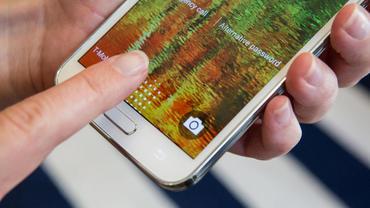 Raportohet se Samsung ka në plane të nxjerrë në shitje dy modele të Galaxy S6