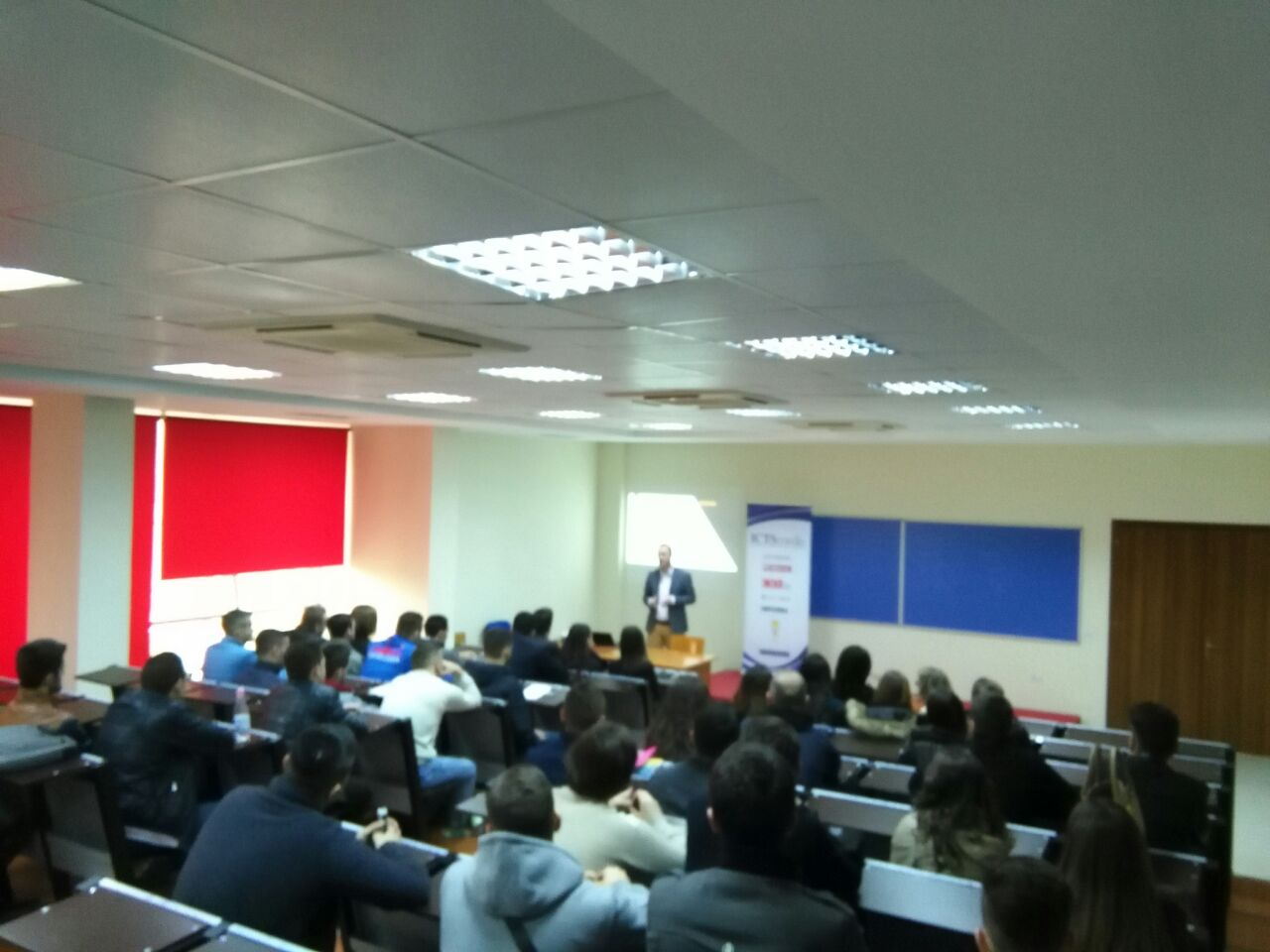 Sot Albanian ICT Awards vizitoi Fakultetin të Shkencave të Natyrës në UT kur na ndan një ditë nga mbyllja e aplikimeve