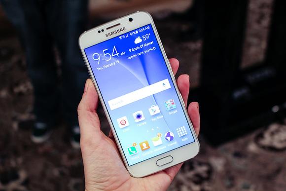 Samsung përballet me një porosi rekord të Galaxy S6 prej 20 milion njësish
