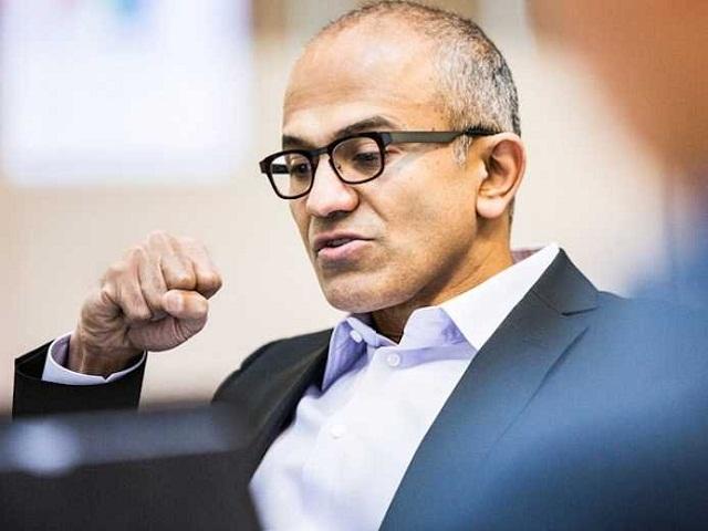 Microsoft bashkëpunon me Samsung për të nxjerrë jasht loje Google