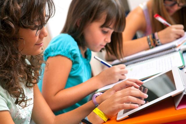 Njihuni me Platzi, platformën online ku mund të merrni njohuritë kryesore mbi fushën e teknologjisë