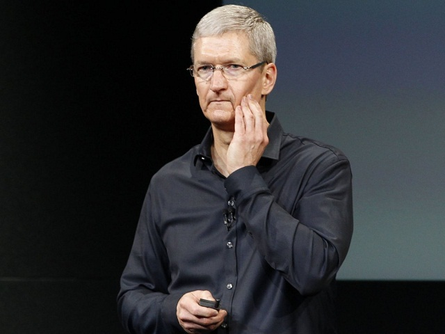 tim-cook-looking-worried-or-sad-1