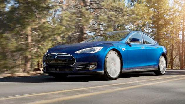 Janë hakuar uebfaqja e Tesla dhe llogaria e Elon Musk në Twitter