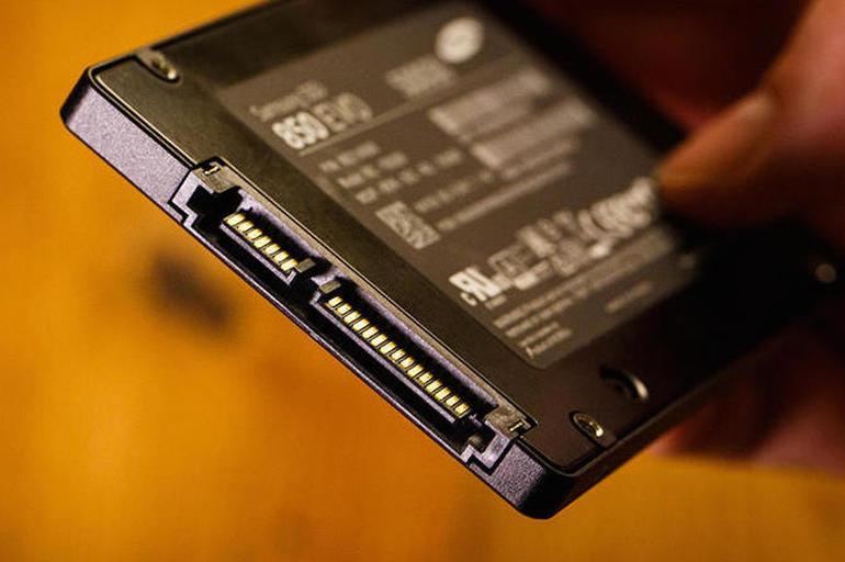 Disqet solide SSD mund të humbasin të dhënat nëse lihen për një periudhë të gjatë pa energji