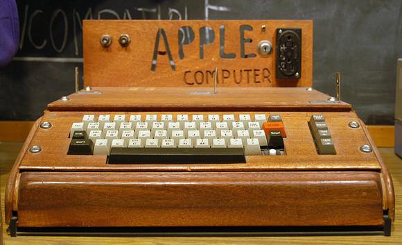 apple_i_euthman_flickr-100588184-large