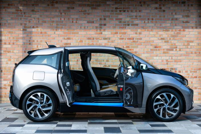 bmw-i3-apple