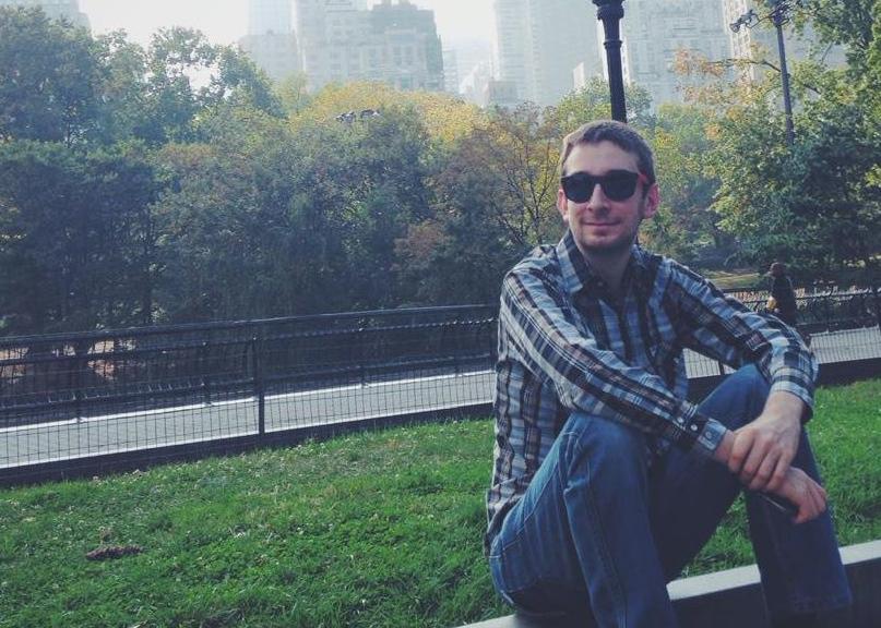 Vdes në moshën 28 vjeçare bashkëthemeluesi i Grooveshark, Josh Greenberg