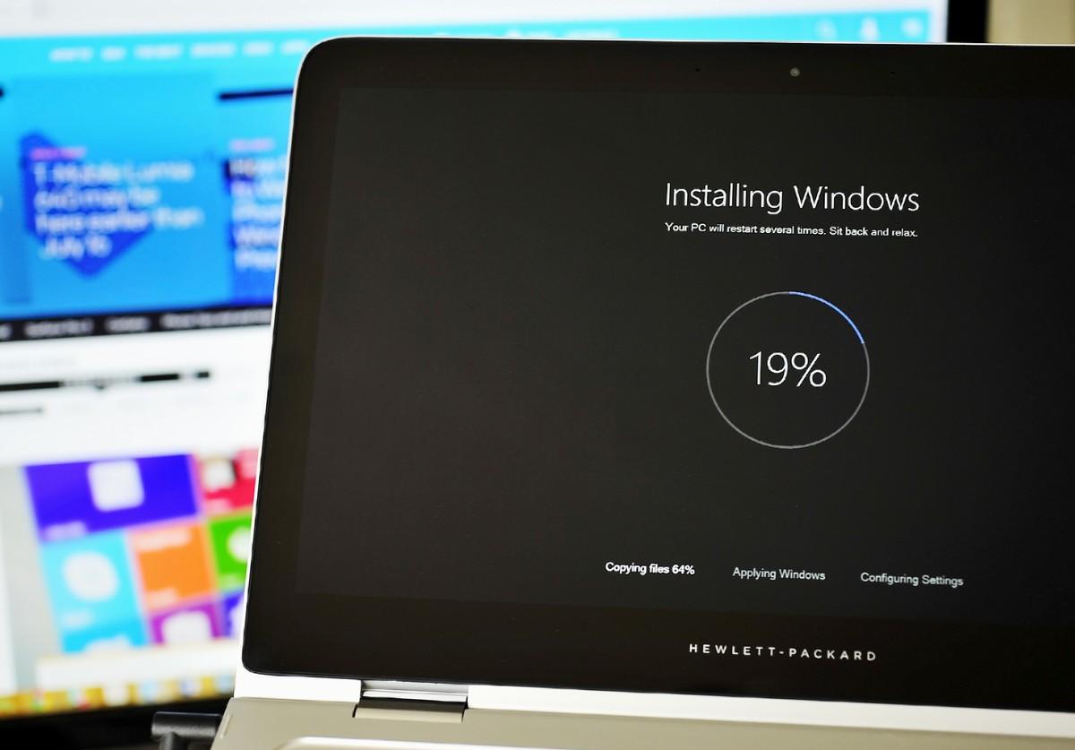 Microsoft thyen premtimin. Sjell ndërtimin 10240 të Windows 10 për anëtarët e programit Windows Insider