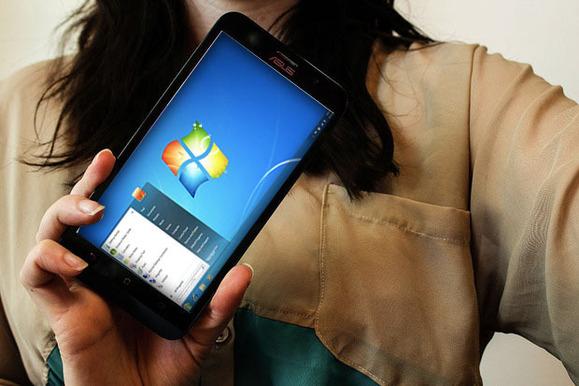 Windows 7 në një smartfon Asus Zenfone 2: A nuk është argëtuese?