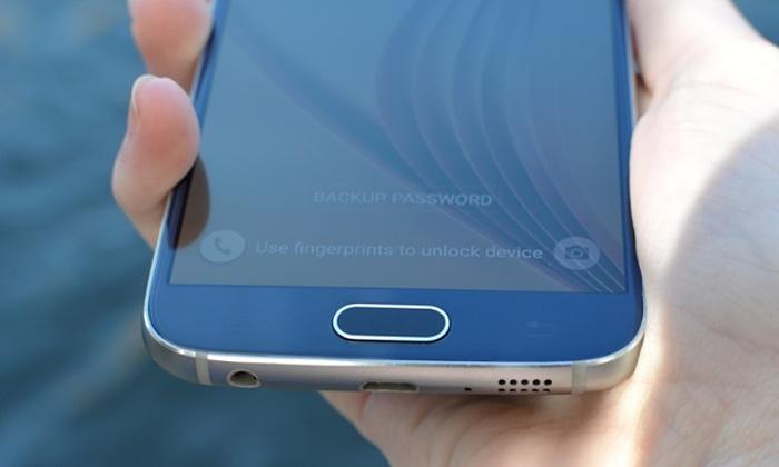 Ekrani i kyçjes në Android mund të anashkalohet me mbigarkimin me tekst të fushës së fjalëkalimit