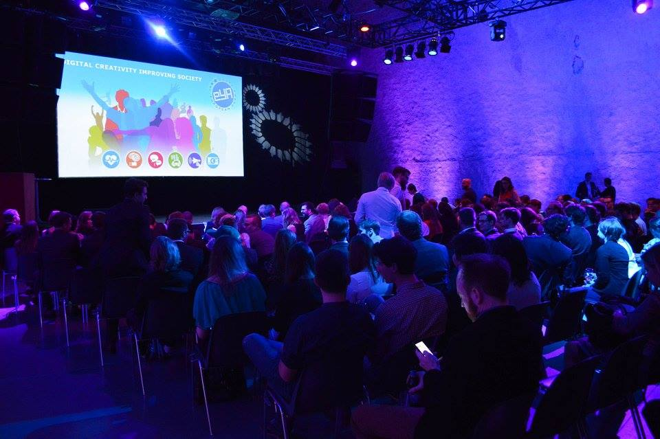 Aplikacionet dhe librat elektronike spikatën në Festivalin e European Youth Awards 2015