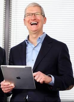Tim Cook: Apple nuk ka për të krijuar një hibrid mes iPad dhe MacBook