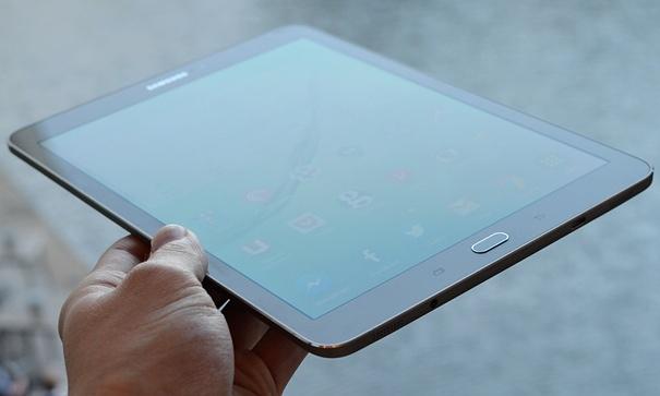 Samsung Galaxy Tab S2: Një rival i denjë i iPad Air 2 (Vështrim)