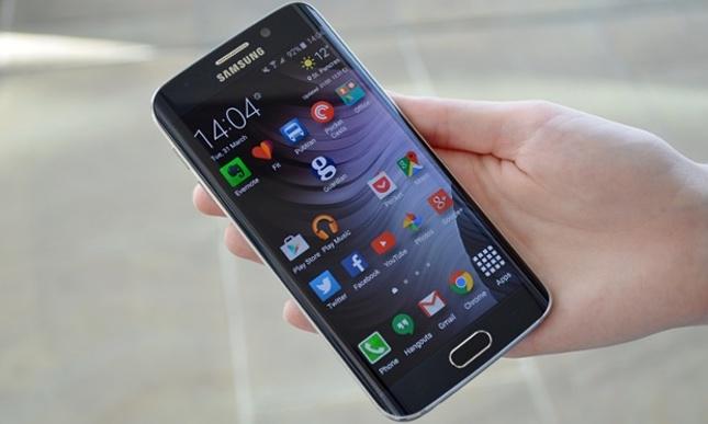 Google zbuloi 11 probleme sigurie me impakt të lartë në Galaxy S6 Edge