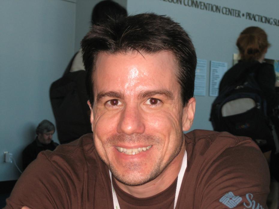 Ndahet nga jeta në moshën 42 vjeçare themeluesi i Debian Linux, Ian Murdock