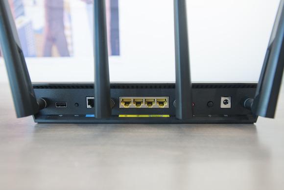 Hulumtuesit e Universitetit Carnegie Mellon kanë zbuluar 887 dobësi sigurie kryesisht në routerat Netgear dhe D-Link