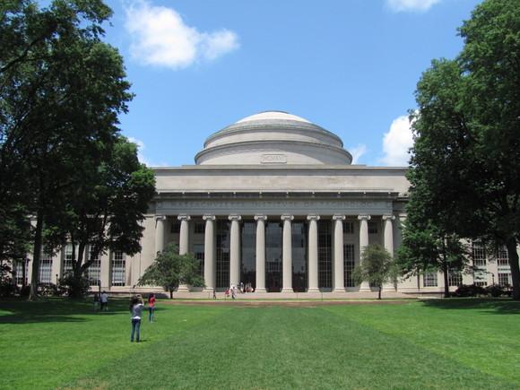 Shkencëtarët e MIT kanë ndërtuar një kompjuter kuantik i aftë të depërtojë sistemet tradicionale të enkriptimit