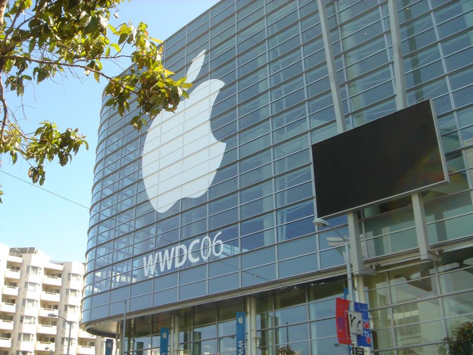 WWDC-Jeff-Dlouhy-Flickr-930x698