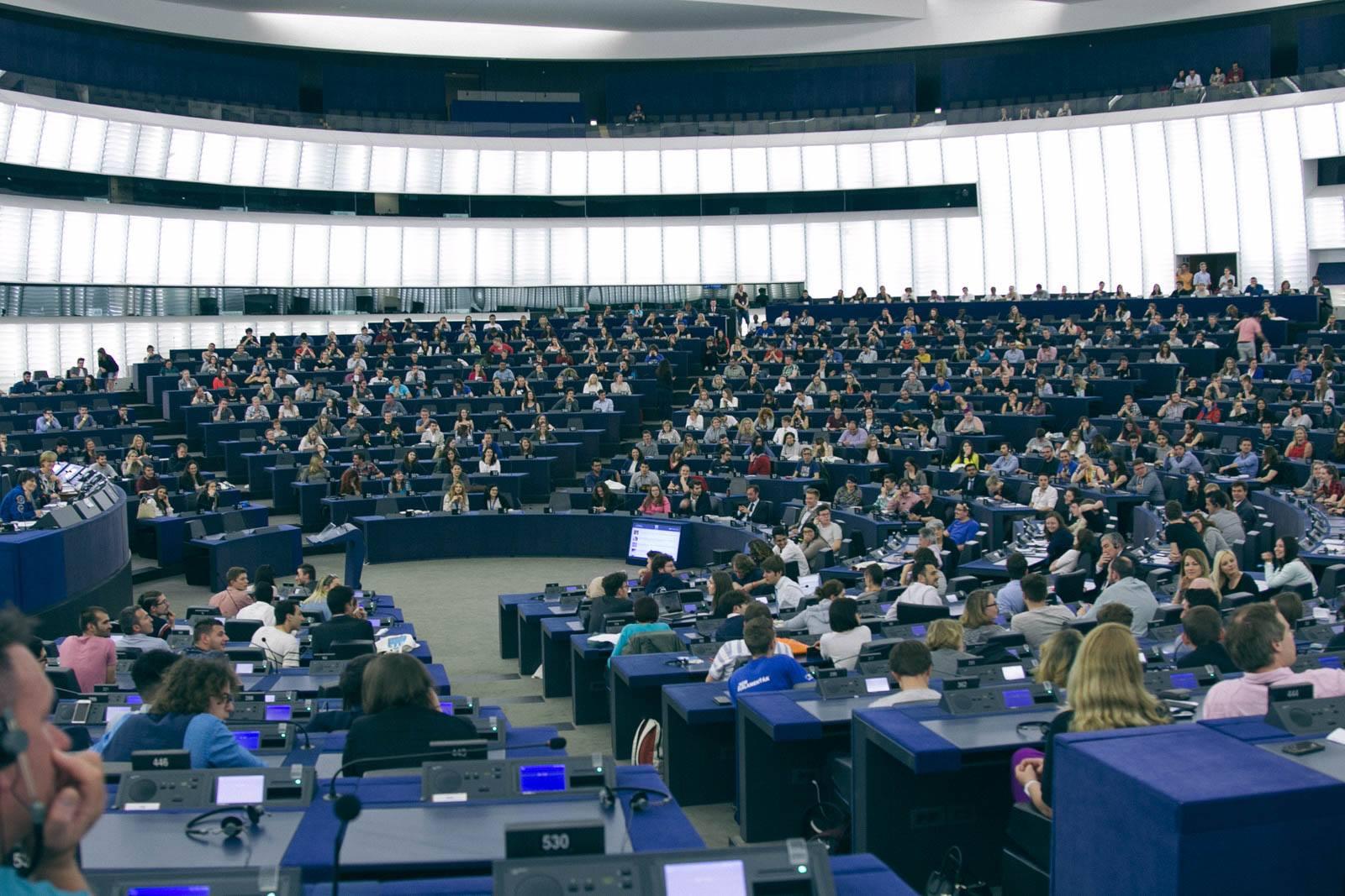 Ambasadorët e European Youth Awards dëshmitarë të një kreativiteti që shkëlqen në EYE dhe YO!Fest