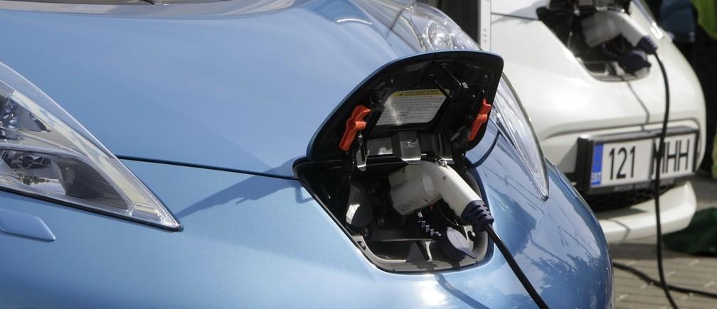 Japonia ka më shumë pika të ngarkimit elektrik të makinave sesa pika karburanti