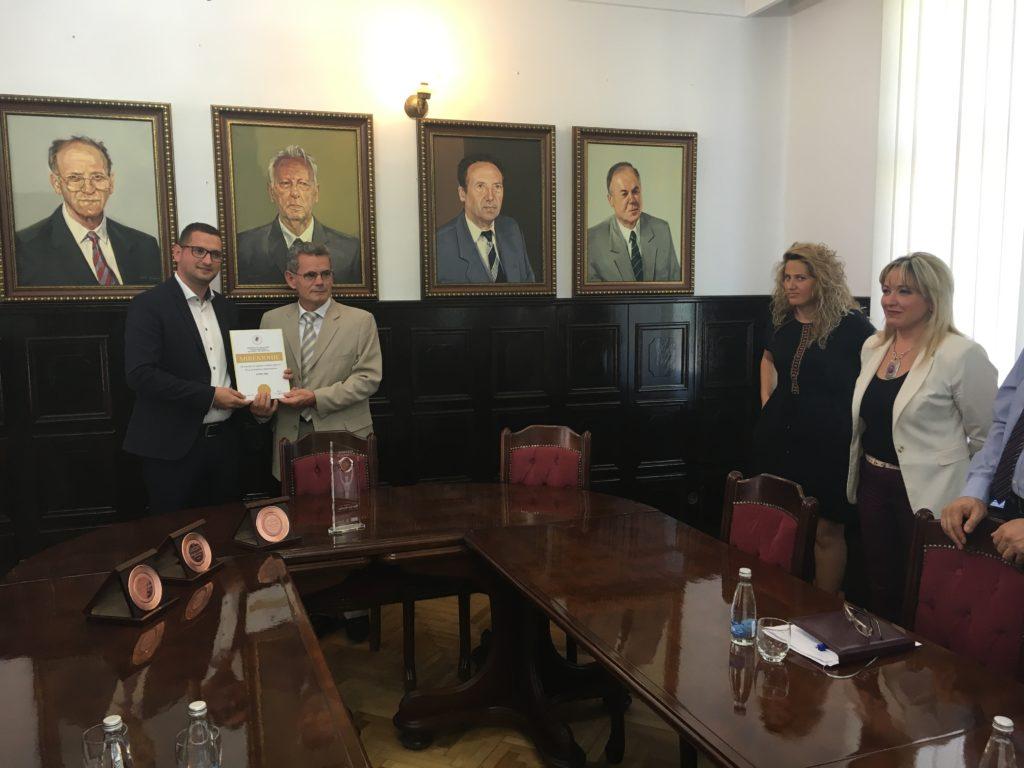 Universiteti i Prishtinës mirënjohje për ekipin organizativ dhe katër kandidatë të Albanian ICT Awards