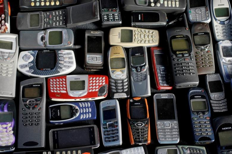 A collection of mobile phones made by Nokia is pictured in this file photo illustration, May 8, 2012. REUTERS/Kacper Pempel/Illustration/File Photo