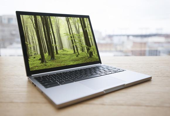 Google ndalon shitjen e Chromebook Pixel 2, nuk e zëvendëson